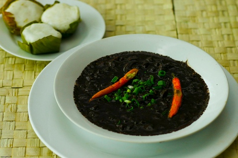 Puto meets Dinuguan ... yucks!!!
