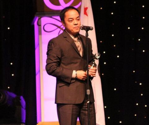 Ang Dating Daan Grabs Gawad Amerika Award